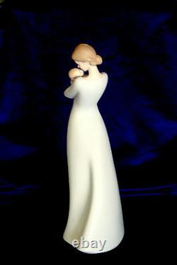 Lladro #18218 A Mother's Embrace Brand Nib Mother Baby Family Satin Save$$ F/sh