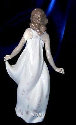 New Lladro Wonderful Mother #6975 Brand Nib Family Mom Beautiful Love Save$ F/sh