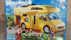 Playmobil family vacation Camper RV motorhome 3647 brand NEW